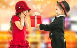 Что подарить на Новый год 2020: оригинальные и яркие идеи для новогоднего сюрприза родным, друзьям, коллегам