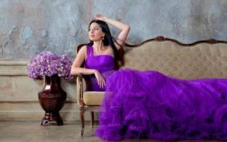 Фиолетовое платье: красивые наряды для обворожительного образа