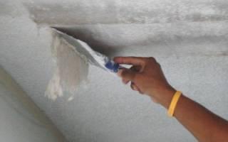 Как смыть побелку с потолка быстро и без грязи: простые способы