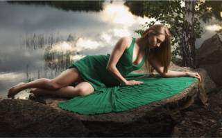 Модное зеленое платье: 70 ярких и стильных образов