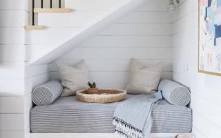 Как использовать пространство под лестницей: 10 классных идей
