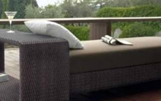 Достойный подход к обустройству участка: легкая и элегантная садовая мебель из ротанга